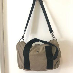 duffel/gym bag